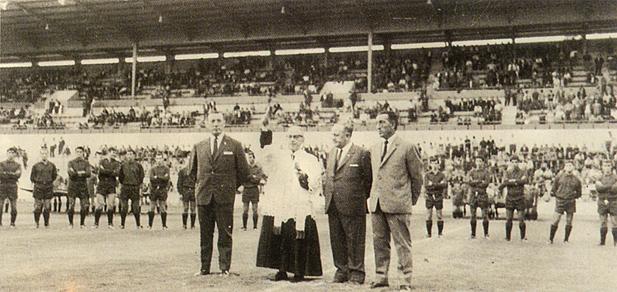FOTOS HISTORICAS O CHULAS  DE FUTBOL - Página 20 11056.gen13827022